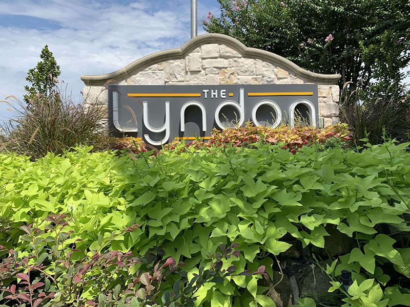 Lyndon monument sign_2_800
