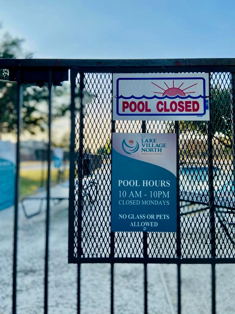 11 Pool Sign